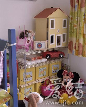 和爸爸媽媽一起整理的收納空間令寶寶體會小小的成就感