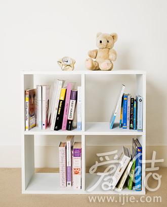 簡潔的開放式小書櫃幫助寶寶吸收更多知識