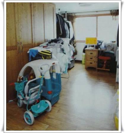 p79堆滿物品的房間
