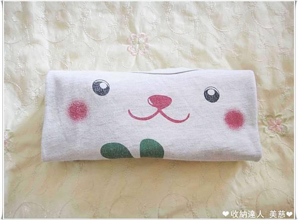 衣服收納 短袖T恤 摺疊法 (9).jpg