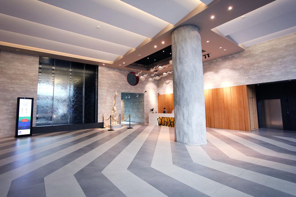 1F-Lobby.jpg