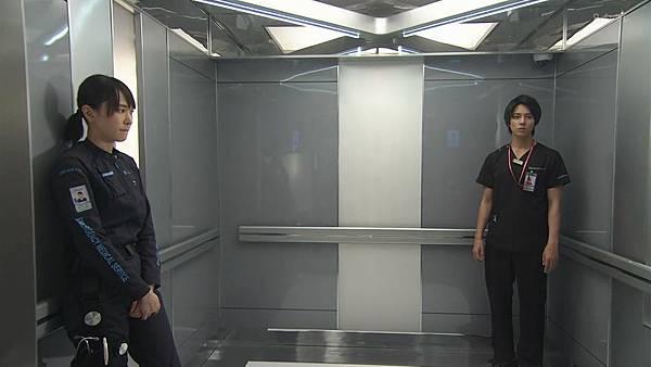 Code Blue -急救直升机-.Code.Blue.Doctor.Heli.Kinkyu.Kyumei.S03E01.Chi_Jap.HDTVrip.1280X720-ZhuixinFan_201772704842.JPG