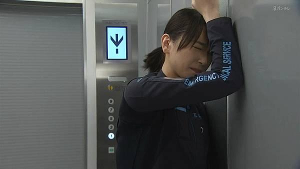 Code Blue -急救直升机-.Code.Blue.Doctor.Heli.Kinkyu.Kyumei.S03E01.Chi_Jap.HDTVrip.1280X720-ZhuixinFan_201772704955.JPG