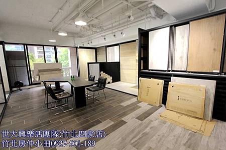 11中悅帝苑高鐵店面大面寬收租中