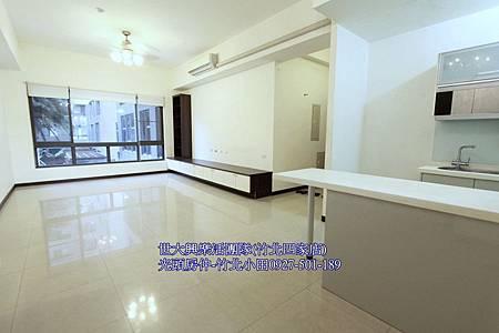 12新東方露台戶高鐵4房+3車-文興路商圈