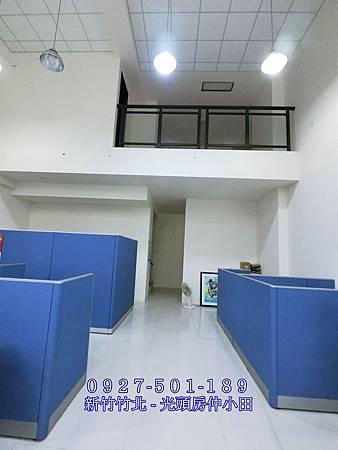 12坤山鼎峰高鐵大面寬朝南金店面