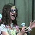 [影視]害羞女孩竟然唱出...