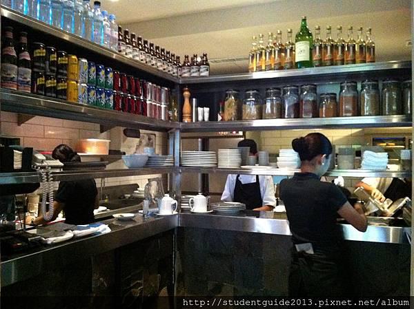 a cafe (5)