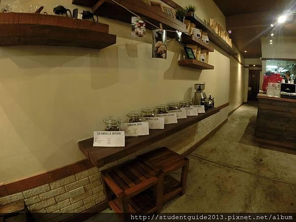 Yolk coffee shop (31)