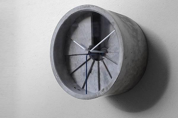 4d clock_02_s.jpg