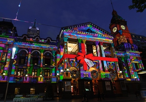 004_Melbourne Town Hall Christmas Projections.jpg