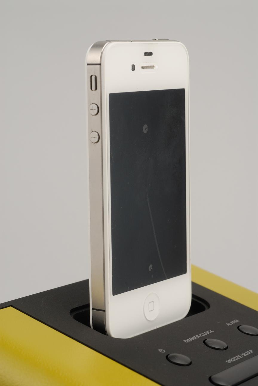 插上iPod聽歌又充電