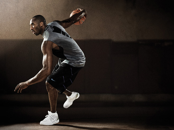 Kobe_Bryant_穿著Nike PRO.jpg