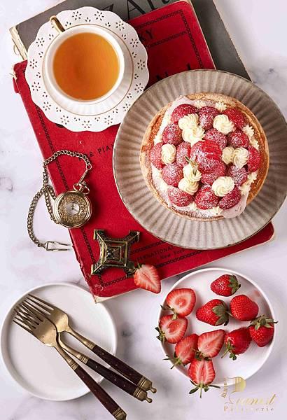 鋼琴師%26;法式甜點的勳章 白乳酪卡士達草莓山NT$850_2.jpg