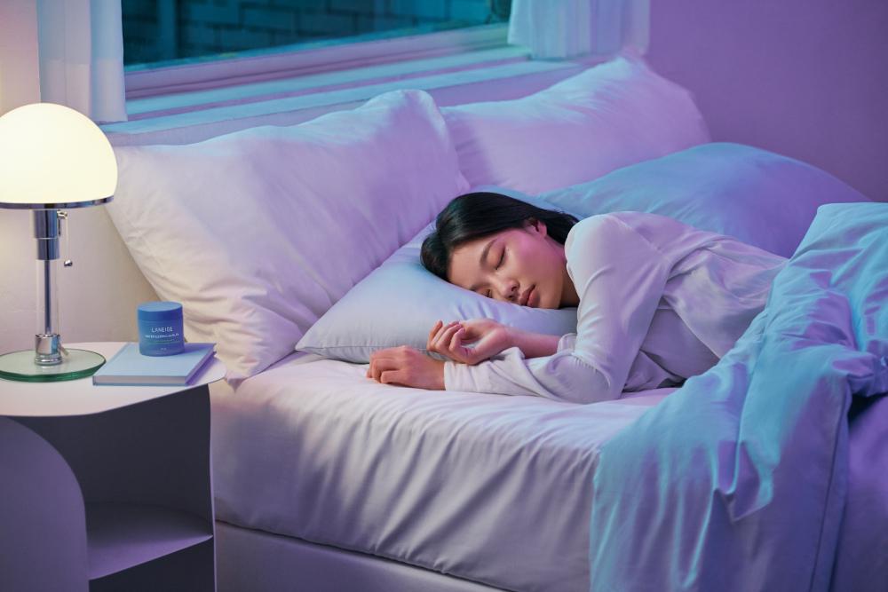LANEIGE 蘭芝 超能亮睡美人晚安面膜 金裕貞美圖3.jpg