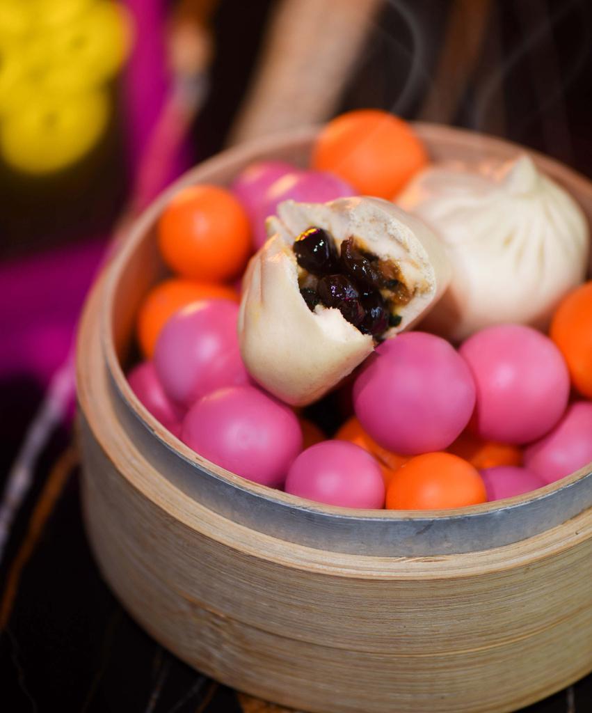 台北W飯店 - 黑珍珠三杯雞粒包.jpg