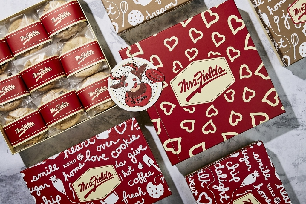 2. Mrs. Fields全系列禮盒將附上「Mrs. Fields喜牛」小卡,讓祝福心意能幻化成文字提供親友。(圖片由Mrs. Fields提供).jpg