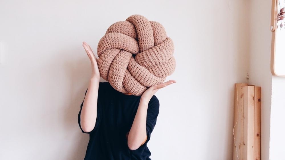 MU_s craft 毛線球牧場 奶油曲奇餅編織抱枕NT$ 770起.jpg
