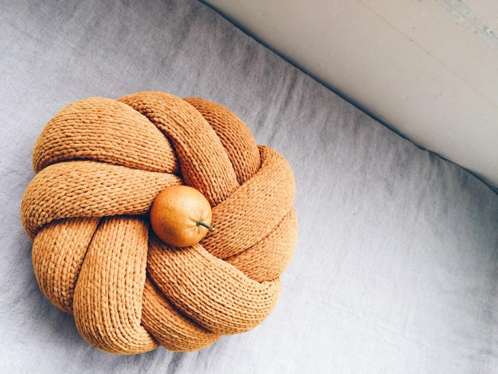 MU_s craft 毛線球牧場 奶油曲奇餅編織抱枕NT$ 770起_1.jpg