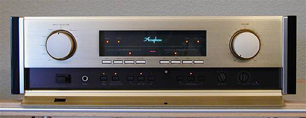 Accuphase-C-270-Front-offen.jpg