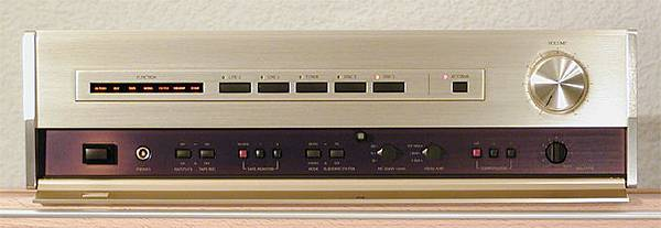 Accuphase C-222.jpg