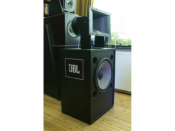 JBL 4673A.jpg