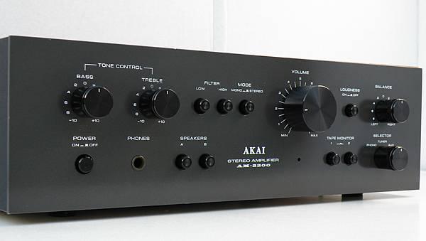 Akai AM-2200.jpg