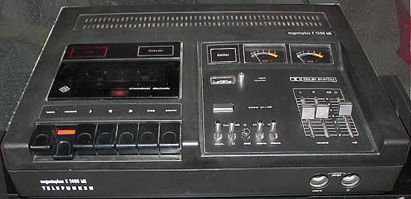 TELEFUNKEN MC-2400.jpg