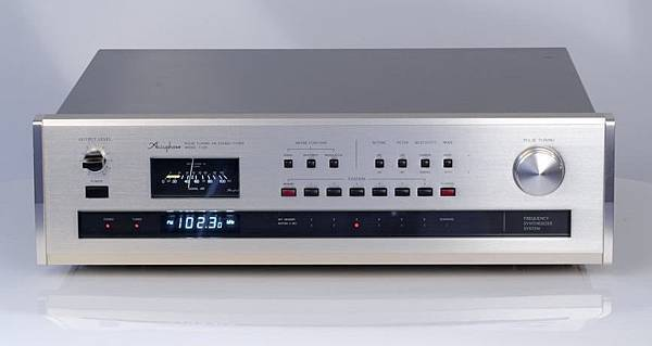Accuphase T-105.jpg