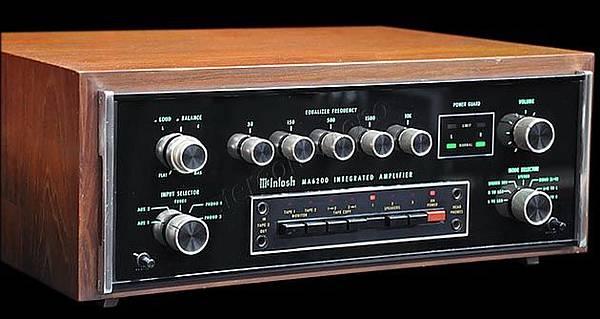 McIntosh MA-6200.jpg