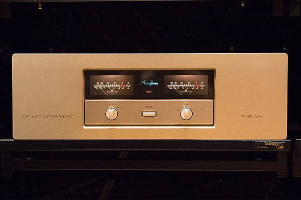 ACCUPHASE A20.jpg