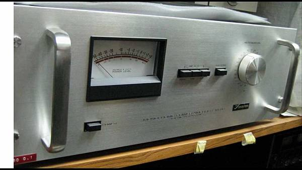 ACCUPHASE M-60.jpg