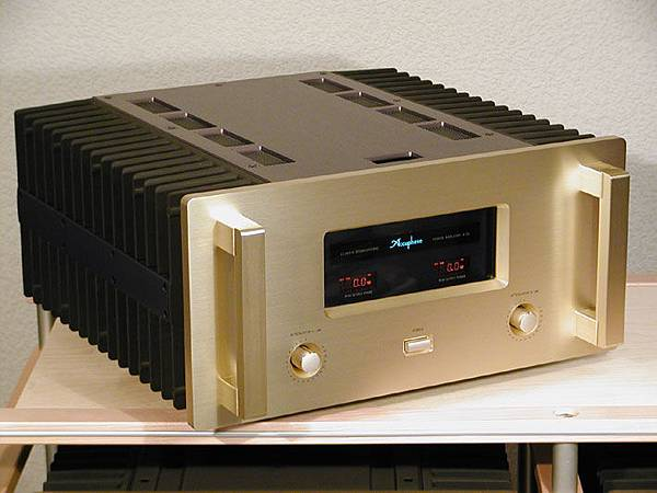 ACCUPHASE A-50.jpg