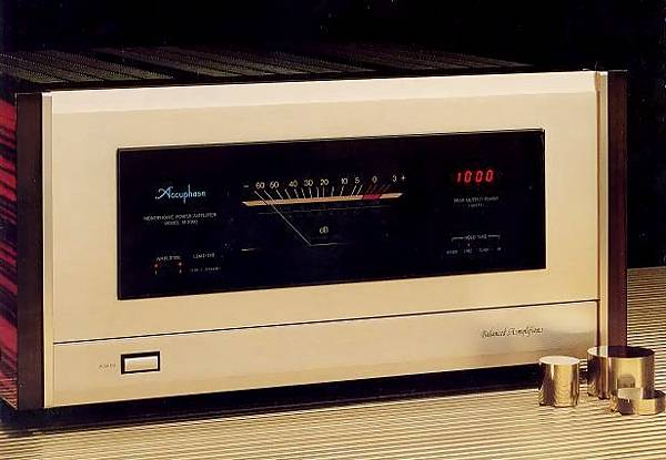 ACCUPHASE M-1000.JPG
