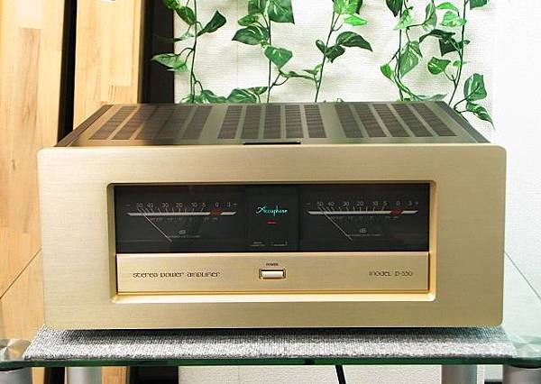 ACCUPHASE P-550.jpg