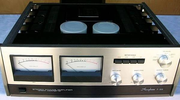 ACCUPHASE P-300.jpg