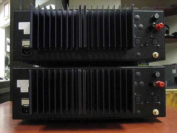 B%26;K M-200 Special Mono amplifier-B.jpg