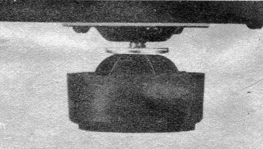 AT-15-004.jpg