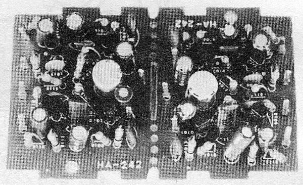 AT-32-004.jpg