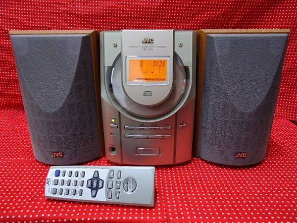 JVC V5.jpg