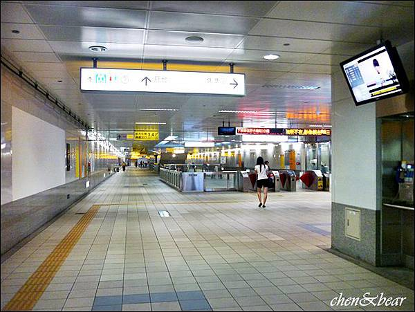 高雄捷運.JPG