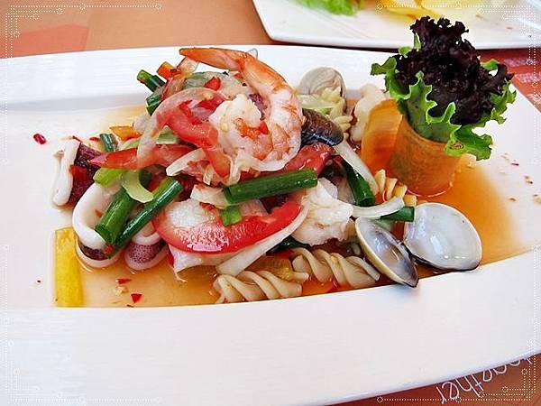 泰式酸辣海鮮沙律