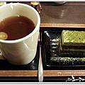 """我 點的是""""熱水果茶+京都抹茶蛋糕"""""""