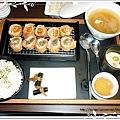 """苑琦&家敏 點的""""泡菜蘆筍雙味豬排"""""""