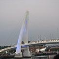 是彩虹橋還是情人橋