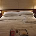 遠企的床看起來好舒服~難怪有人愛遠企啦