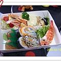 中午準備日式定食給來的賓客和幫忙的朋友吃!