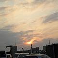 上車前看到夕陽