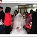 新娘不能亂動