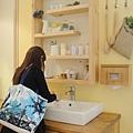 ann在洗手